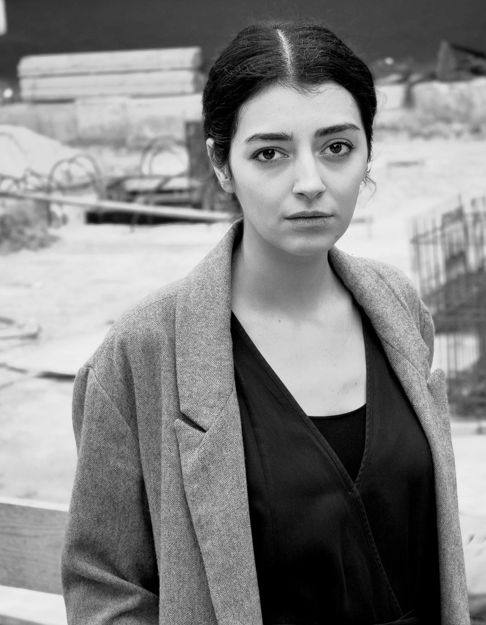 Portrait Elmira Iravanizad © Cyrus Mahboubian